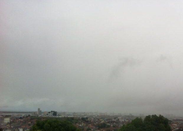 Sistema frontal se afasta, mas chuva persiste no RS nesta quarta
