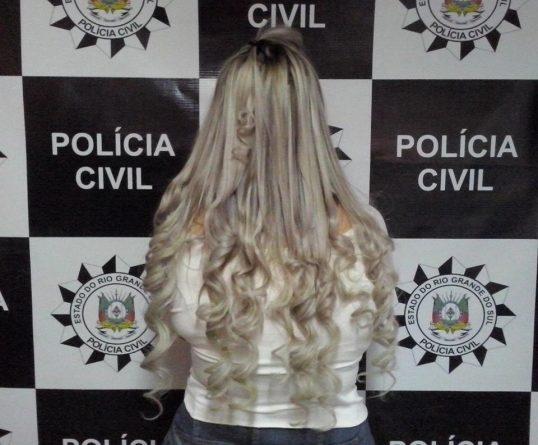 Estelionatária é presa ao sair do Salão de Beleza