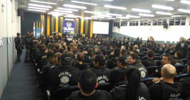 Mais de 350 policiais realizam operação contra tráfico e homicídios em Carazinho