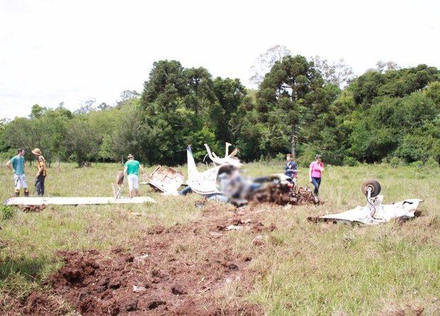 Avião cai no Norte do RS e duas pessoas morrem, diz polícia