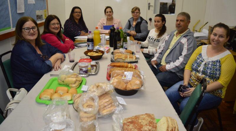 Conselho de Alimentação e SME fazem degustação de produtos
