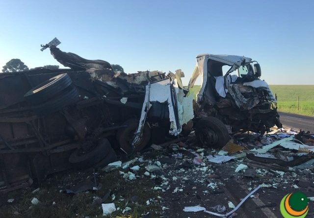 Colisão entre carreta e caminhão deixa um morto em Pontão
