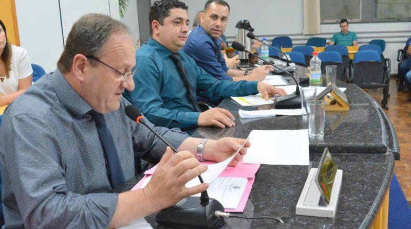 Vereadores da oposição cobram ações do executivo