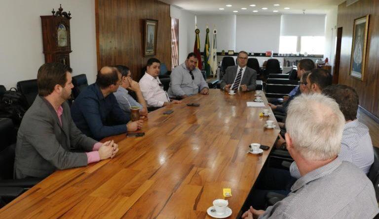 Comitiva palmeirense busca parceria com UFSM para qualificar atendimento na saúde