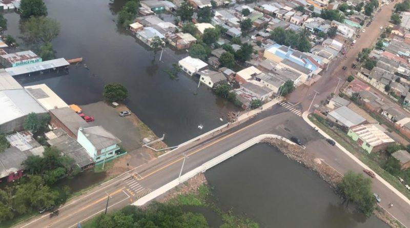 Anos de vida perdidos em um dia por causa da água', diz moradora de São Gabriel sobre enchente