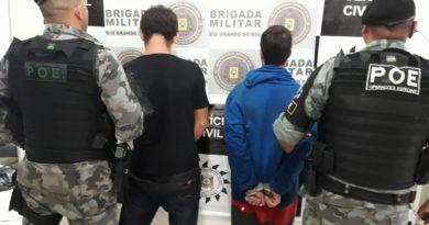 Perseguição a carro com placas de Palmeira na BR 386 resulta em dois presos e apreensão de três tipos de drogas
