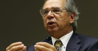 """Guedes diz que """"passaporte de imunidade"""" está em negociação para retomada da economia"""