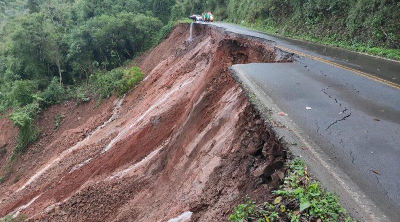 Chuva, granizo e vento forte provocam uma morte e estragos em várias cidades do RS